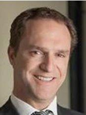 Dr Jonathan Bare - Surgeon at Melbourne Orthopedic Group - Windsor
