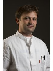 Dr Denis Trsek - Surgeon at AKROMION Orthopaedic Surgery Hospital
