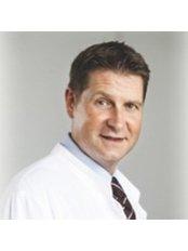 Hospital Director Igor Boric, m.D., Ph.D. Radiologist  - Aesthetic Medicine Physician at St. Catherine Hospital