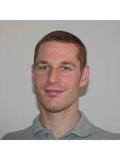 Mr Sebastian Fro¨bel - Physiotherapist at Orthopaedie And Unfallchirurgie Bavariapark