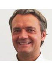 Dr Peter Krause -  at WIM Wirbelsäulen-Institut München