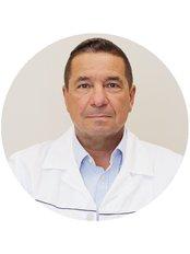Dr Viktor Csok - Surgeon at Medicover Hospital Hungary