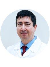 Dr Róbert  Novotni - Surgeon at Medicover Hospital Hungary