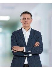 Dr Radoslaw Michalik - Surgeon at Carolina Medical Center