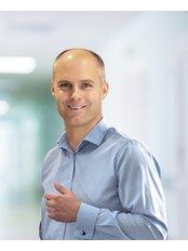 Dr Lukasz Luboinski - Principal Surgeon at Carolina Medical Center