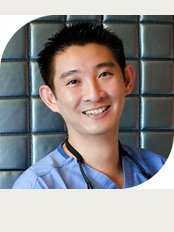 Dr. Jonathan Lee Yi-Liang -Parkway East Medical Centre - 319 Joo Chiat Place, #04-06, Singapore, 427989,