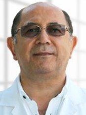 Dr. Metin Oguz - Hautarzt - Türkiye Hastanesi