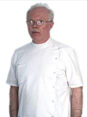 Dr Denis Slattery - Spine Sport and Limb Clinic - Dr Denis Slattery