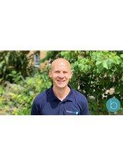 Dr Matt Glithero - Practice Therapist at Bodytonic Clinic - Osteopathy - Canada Water