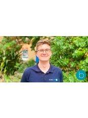 Tom Mieszowski -  at Bodytonic Clinic - Osteopathy - Canada Water
