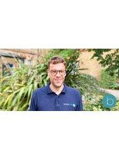 Mr Gerard Sevilla -  at Bodytonic Clinic - Osteopathy - Canada Water