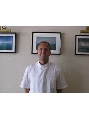 Osteopath Consultation - Alan Coles Osteopath