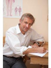 Ralf Jeutter - Podiatrist at The Richards Centre