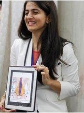 Dr Dr Vandana Jaisingh -  at Phy World