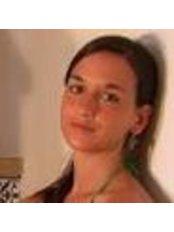 Ms Cristina Carmona Botana - Practice Therapist at Samila - Arte e Benessere