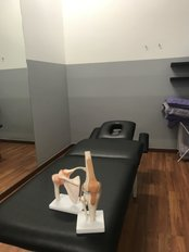 BENPHYSIO - 11 treatment rooms with Electrical beds