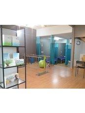 Reenaa physiotherapy centre - No 63, jalan ss2/24, Petaling jaya, Kuala lumpur, 47300,  0