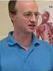 AAA-Physio Sports & Spinal Specialists at Moti Runners Clinic - Mr John Stephenson