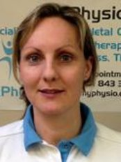 My Physio - Lizzy Craft qualified in 2003 from UWE Bristol with a 2:1 BSC (Hons) Physiotherapy degree.