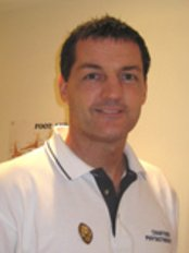 Poulton Physiotherapy Clinic - Physiotherapist Steve Macauley