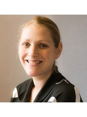 Ms Vicky Pearsal - Physiotherapist at Manchester Hip Clinic