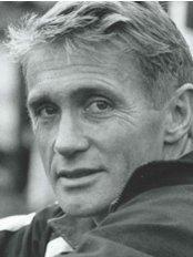Phil Mack - Specialist MSK & Sports Physiotherapist - Physiotherapist at The Physiotherapy Clinics - Murrayfield