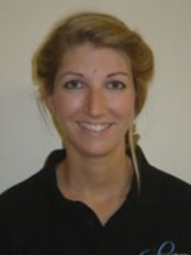 Lindsay Pringle - Physiotherapist at Cranfold Physical Therapy Centre - Grove House