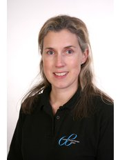 Mrs Lisa Batchelor - Physiotherapist at Cranfold Physical Therapy Centre - Grove House