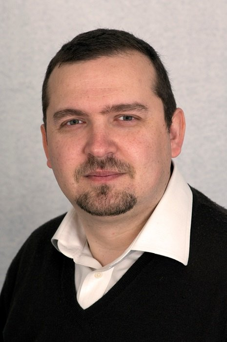 Dr Nik Gkampranis in Eastbourne