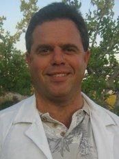 CaboOrtho - Dr James McAllister