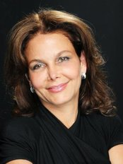 Dr. Stolovitz at Clinique Anti-Aging - Medical Aesthetics Clinic in Canada