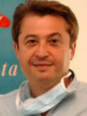 Your Dentist in Brussels - Dr Alain Dziubek