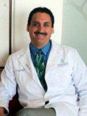 Dr. Lázaro Cárdenas Camarena - Plastic Surgery Clinic in Mexico