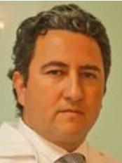 Dr. Marcel Perafan Simmonds Cirujano Plastico - Plastic Surgery Clinic in Colombia