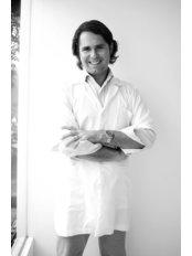 Dr Alan Vicich F - Dr. Alan Vicich Falla