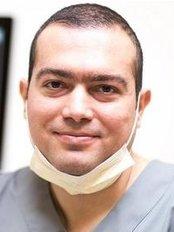 Docteur Alexandre Kassar - Dental Clinic in France