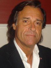 Dr. Hugo Mercatini - Centro Médico Campbell - Plastic Surgery Clinic in Uruguay