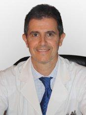 Dr. Claudio N. Saladino - Plastic Surgery Clinic in Argentina