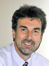 The Hertfordshire Clinic - Dr Julian Godlee BSc MBBChir SRCOG MRCGP