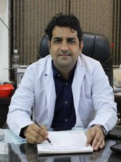 Dr. Sunil Tanwar - Plastic Surgery Clinic in India