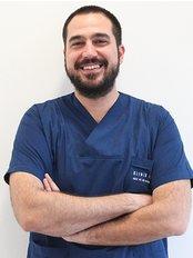 Klinik İstanbul Ağız ve Dİş Polikliniği - Dental Clinic in Turkey