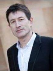 Minto Dental Practice & Implant Centre - Edinburgh - Dr Robin Rother