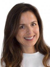 Dra Paula Sequeiros - Dental Clinic in Portugal