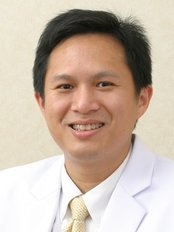 Inspire Smile Clinic - Dr. Athipan Pimkhaokham ( Implantologist, oral surgeon)