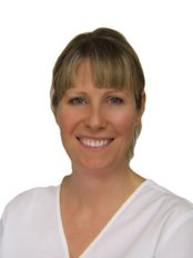 Dr Linda Breeze - Dental Surgeon - Dental Clinic in the UK