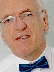 Roger J Hughlock - Dental Clinic in the UK