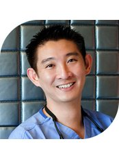 Dr. Jonathan Lee Yi-Liang - Orthopaedic Clinic in Singapore
