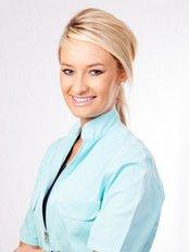 Aesthetic Dentistry - DR HELENA