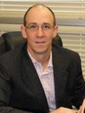 Dr. Roberto Finch - Bariatric Surgery Clinic in Australia