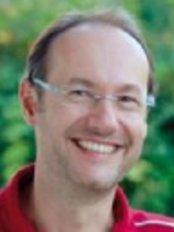 Dr Michael Knoll - Dental Clinic in Austria